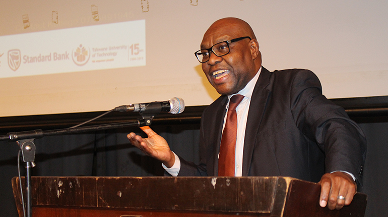 Deputy Minister addresses young entrepreneurs